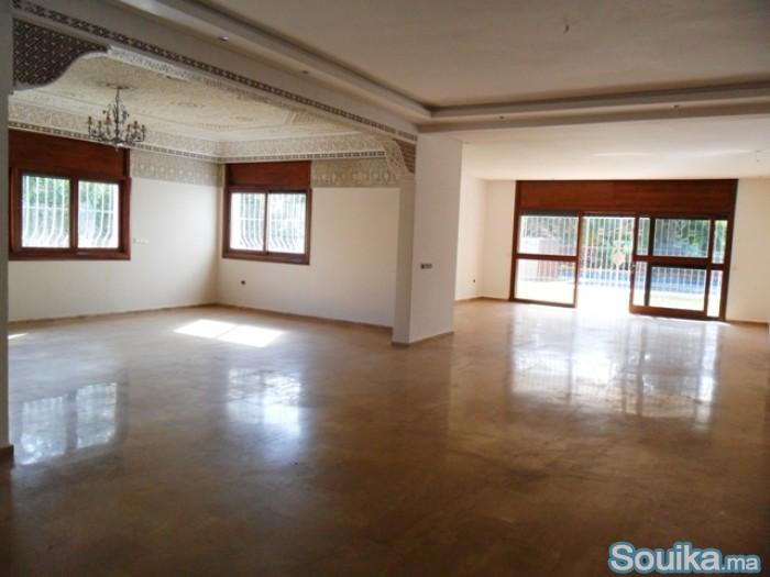 Superbe villa à usage bureau à louer à Souissi