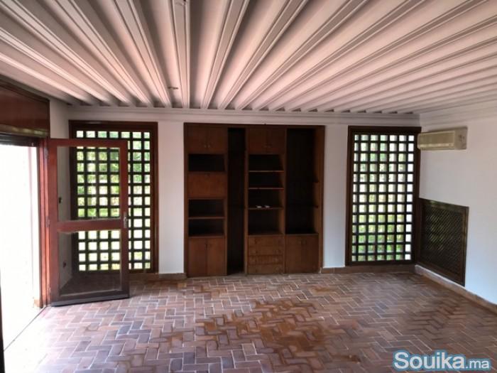 Villa à louer au quartier Souissi à Rabat