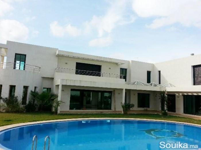 Villa neuve haut standing à louer à Souissi RABAT