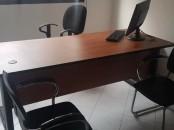 bureau presque neuf