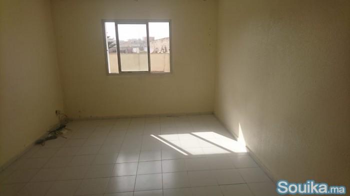 شقة للكراء اقامة العرصة حي اشماعو سلا