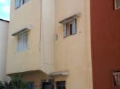 منزل علوي ببوزنيقة، طبقان و تالث جزئي، للبيع.