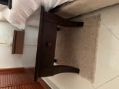2 tables de chevet en bois massif