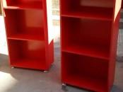 les armoires et les bureaux